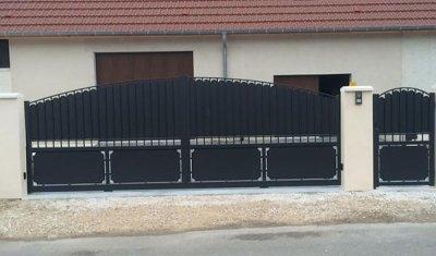 Création et pose d'un portail en alu à Dijon