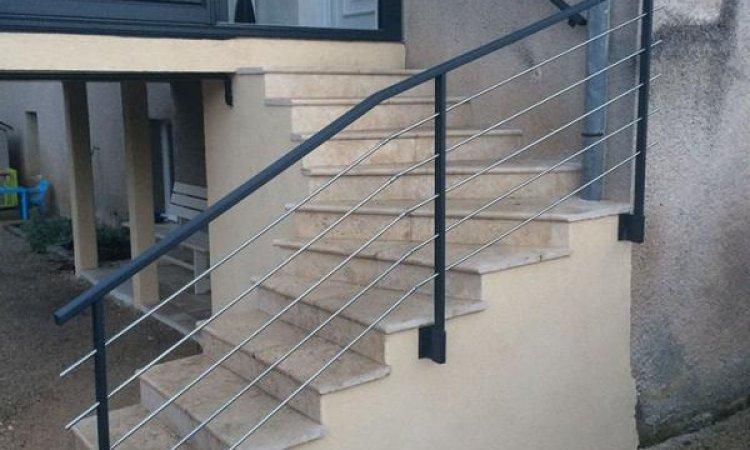 Pose de rampe d'escalier Dijon